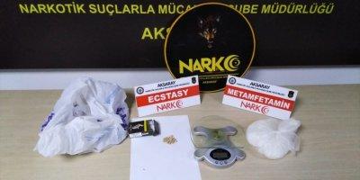 Aksaray'da Uyuşturucu Sattıkları İddiasıyla Yakalanan 3 Şüpheli Tutuklandı