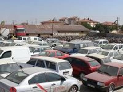 Karaman'da Cemiyet Otoparkı Doldu Taşıyor