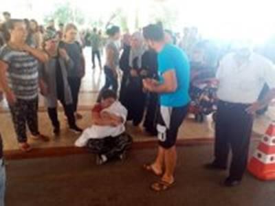 Antalya: Hastane Önünde Yürek Burkan Görüntü
