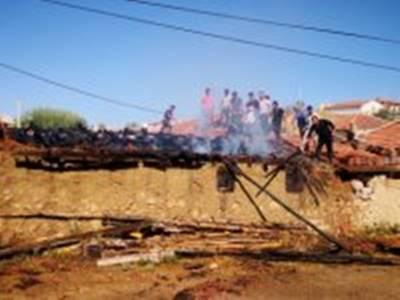 Aksaray'da Mandıra Yangını
