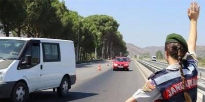 Mersin'de Çeşitli Suçlardan Aranan 65 Şahıs Jandarma Tarafından Yakalandı
