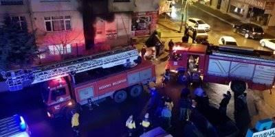 Aksaray'da Korkutan Yangın: 32 Kişi Mahsur Kaldı