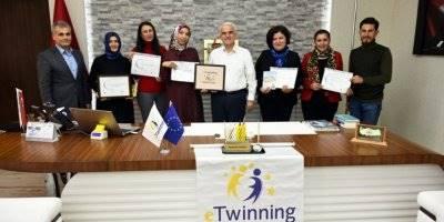 Ödül Kazanan 5 Öğretmen Karaman İl Milli Eğitim Müdürü Mevlüt Kuntoğlu'na Anlattı