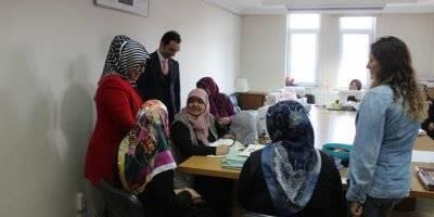 Karaman Valisi Fahri Meral'in Eşi Zehra Meral İlçeleri Ziyaret Etti