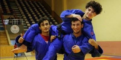 Futbolla Başlayan Karamanlı Sporcu Judoda Madalyalara Uzandı