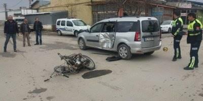 Konya'da Motosiklet İle Hafif Ticari Araç Çarpıştı
