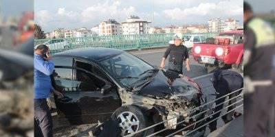 Antalya'da Alkollü Sürücü Kaza Yaptı