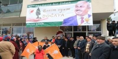 Ak Parti Göktepe Belediye Başkan Adayı Bayram Şahin'den 2 bin 500 Fidan Dağıtımı
