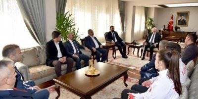 Gençlik ve Spor Bakanlığı Bakan Yardımcısı Hamza Yerlikaya'dan Vali Fahri Meral'e Ziyaret