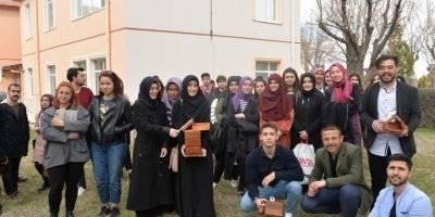 KMÜ Öğrencilerinden Kuşlara Yuva