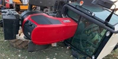 Karaman'da Devrilen Traktörde İki Kardeş Ölümden Döndü