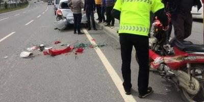 Antalya'da Park Halindeki Araca Çarpan Kadın Sürücü Yaralandı