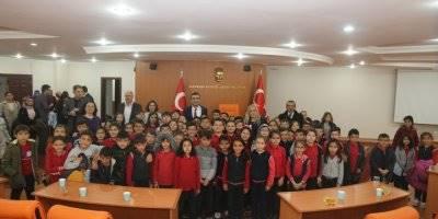 Minik Öğrencilerden Karaman Belediye Başkanı Savaş Kalaycı'ya Ziyaret