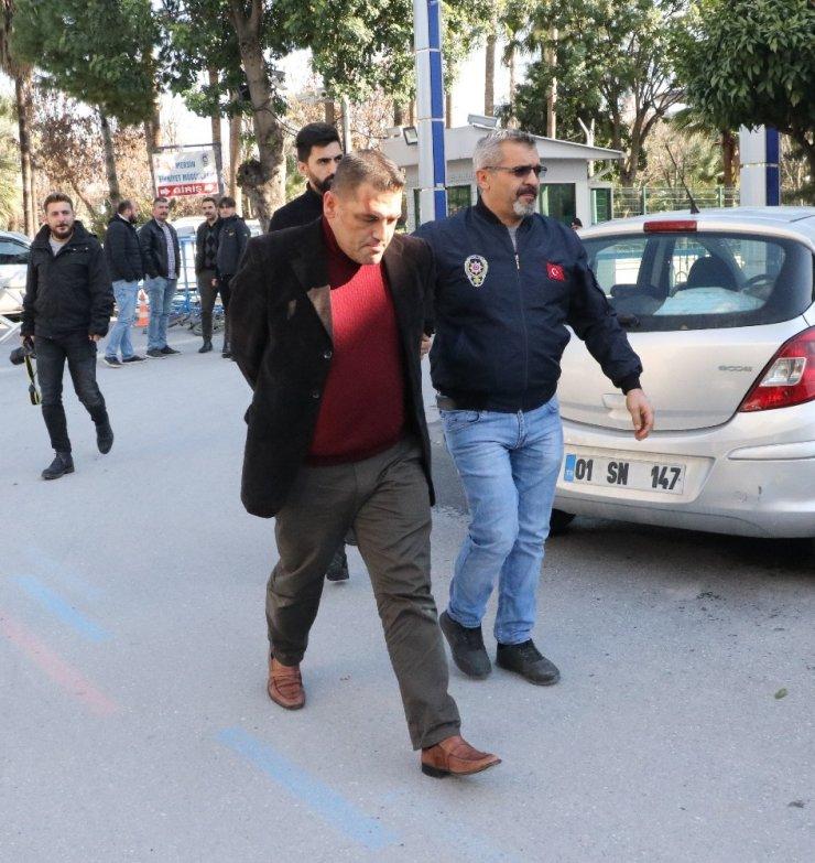Mersin'de 3 Kişinin 1 Milyon 280 Bin Lirasını Dolandıran Cezaevi Firarisi Suçüstü Yakalandı