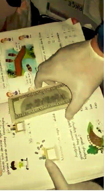 Antalya'da Sahte Dolarlar Çocuklara Ait Ders Kitaplarının Arasından Çıktı