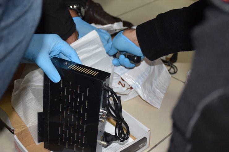Mersin'de Uydu Alıcısından Bin 925 Uyuşturucu Hap Çıktı