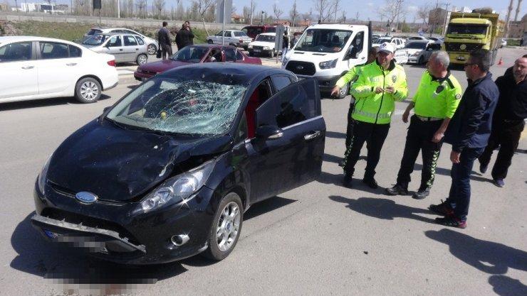Aksaray'da Yayaya Çarpan Sürücü Arabası İçin Ağladı