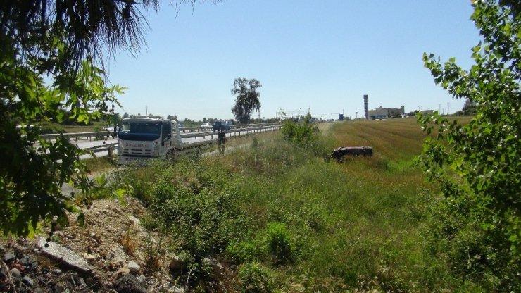 Antalya'da Telefona Bakmak İsterken Buğday Tarlasına Uçtu