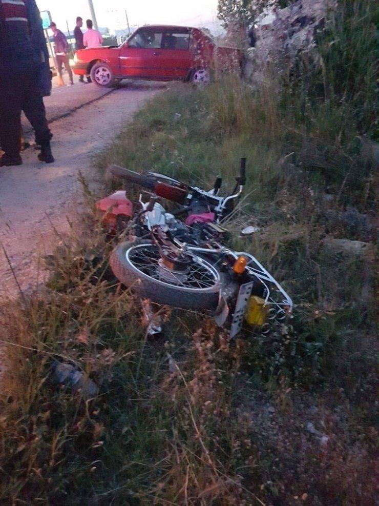 Antalya'da Otomobil İle Motosiklet Çarpıştı: 1 Yaralı