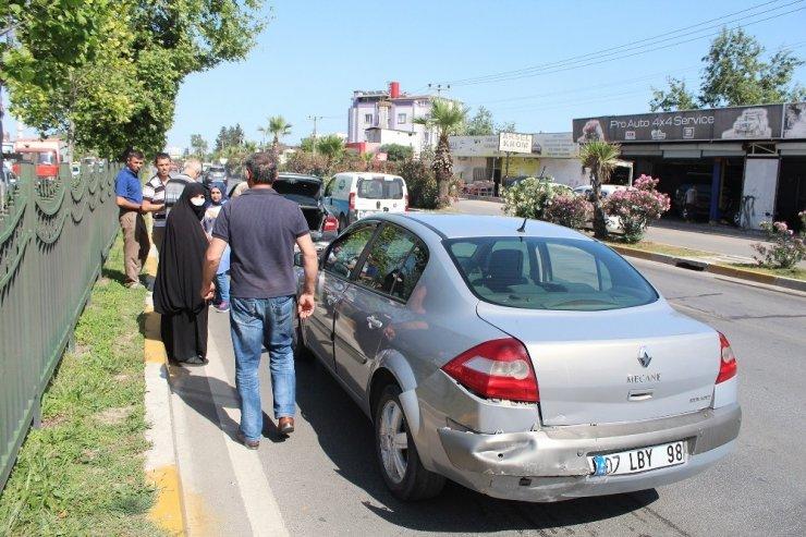 Antalya'da 6 Araç Birbirine Girdi