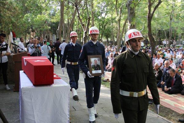 Şehit Uzman Onbaşı Sarı Son Yolculuğuna Uğurlandı