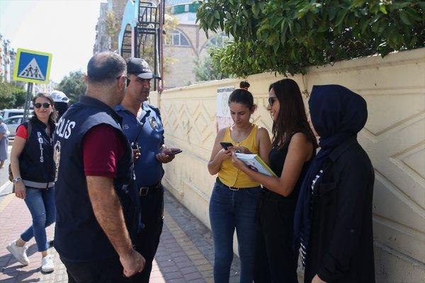 Antalya Polisinden Okul Çevrelerinde Denetim