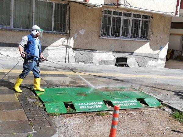Kızılcahamam'da Çöp Konteynerleri Dezenfekte Edildi