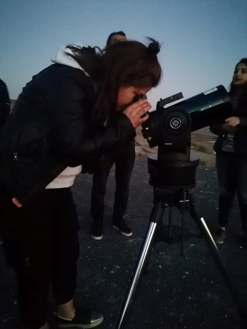 Öğrenciler Gökyüzünü Teleskopla İzlediler