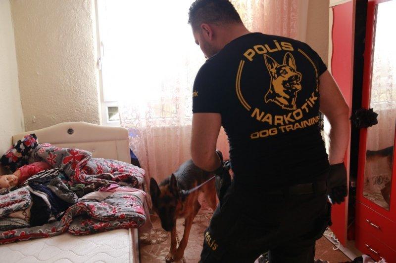 Antalya'da Nefes Kesen Dev Uyuşturucu Operasyonu Yapıldı Gözaltılar Var