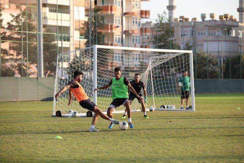 Futbolcularımızın Mehmetçiğimize Selam Göndermeleri Çok Doğal