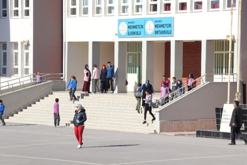 Aksaray'da Okul Müdürü Açığa Alındı, Müfettişler İncelemelerini Sürdürüyor