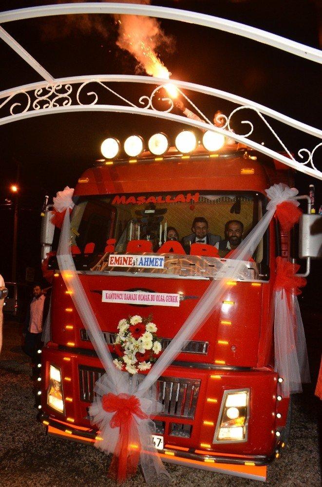 Antalya'da Düğünde Kamyon Sürprizi