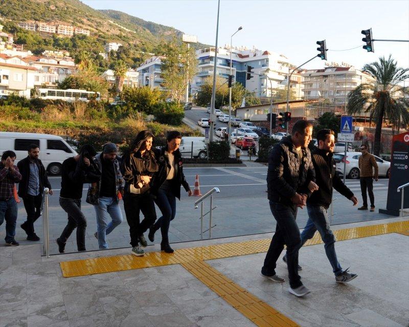 Antalya'daki Uyuşturucu Operasyonunda Gözaltına Alınan 16 Zanlı Tutuklandı