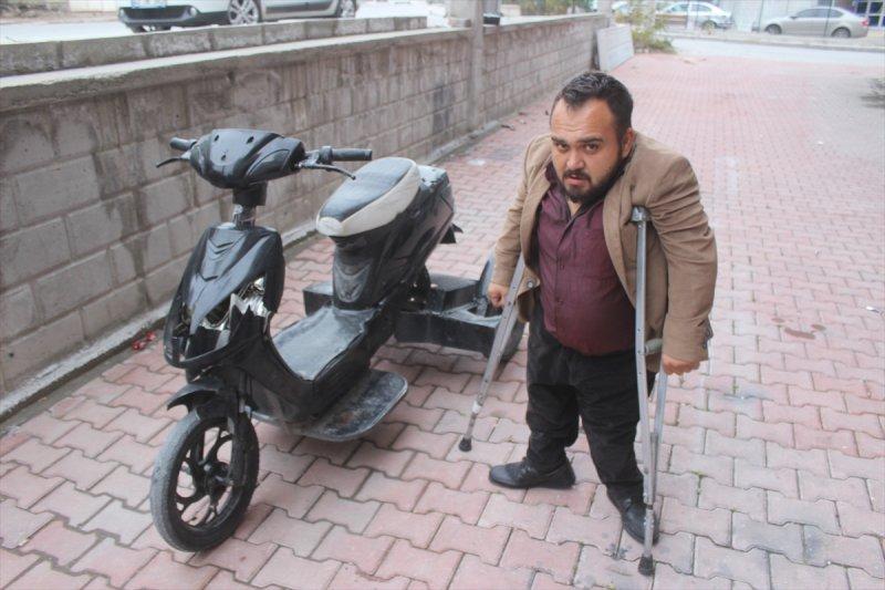 Konya'da Engelli Vatandaşın Vasıtasını Kırdılar