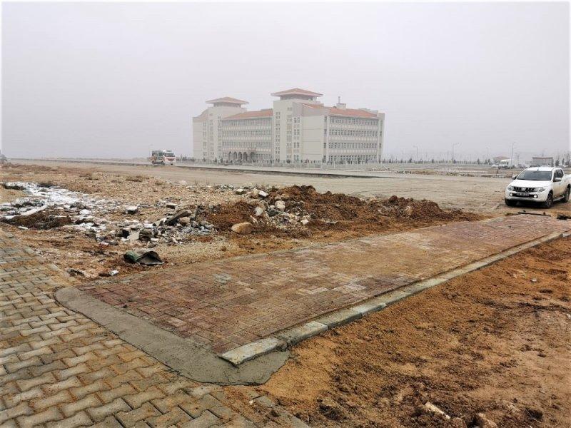 Karaman Belediyesi Öğrenciler İçin Yaya Yolu Yaptı