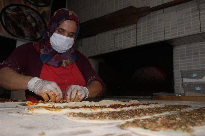 Konya'da İşçi Bulamayan Kadın Fırının Başına Geçti