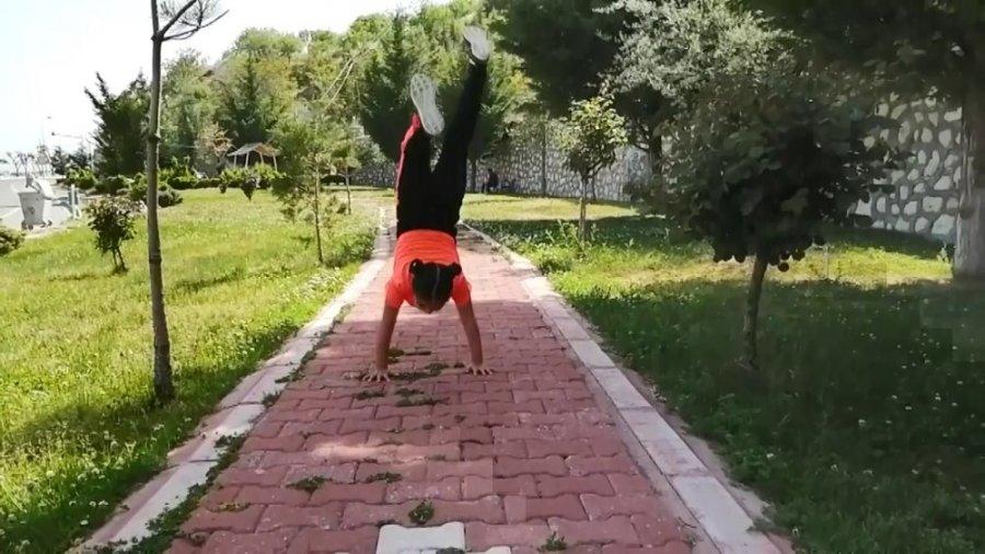 Ermenek'te Öğrencilerden 19 Mayıs Koreografisi