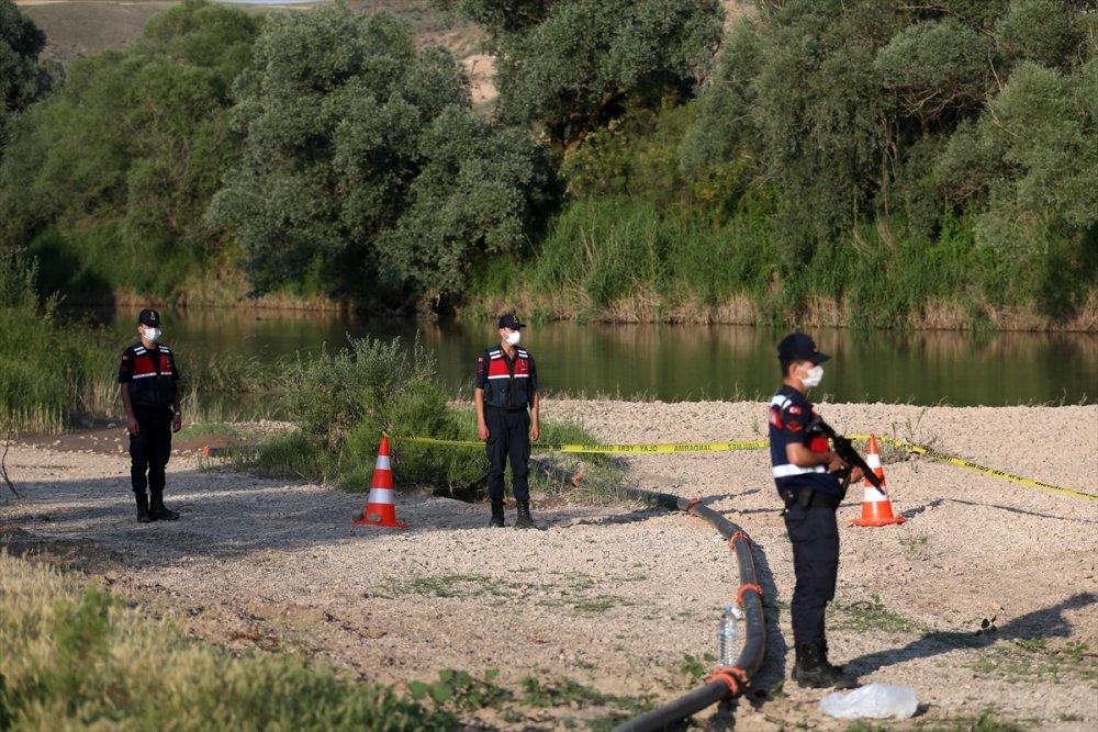 Kayseri'de Kızılırmak'a Giren Gencin Cansız Bedenine Ulaşıldı