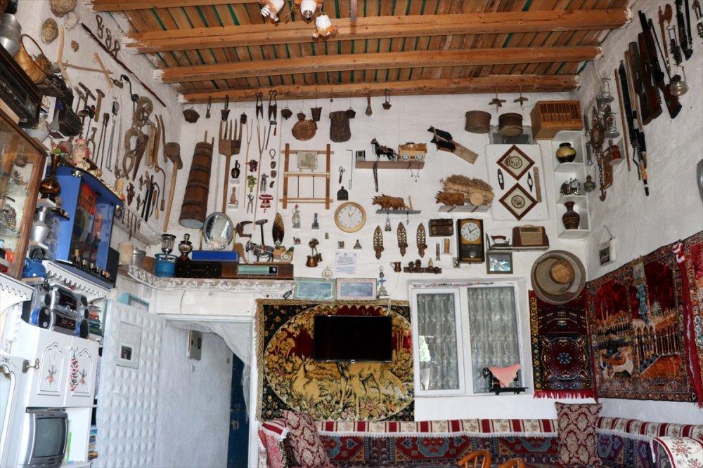 Müzeden Etkilenip Tarihi Evine Taşıdı