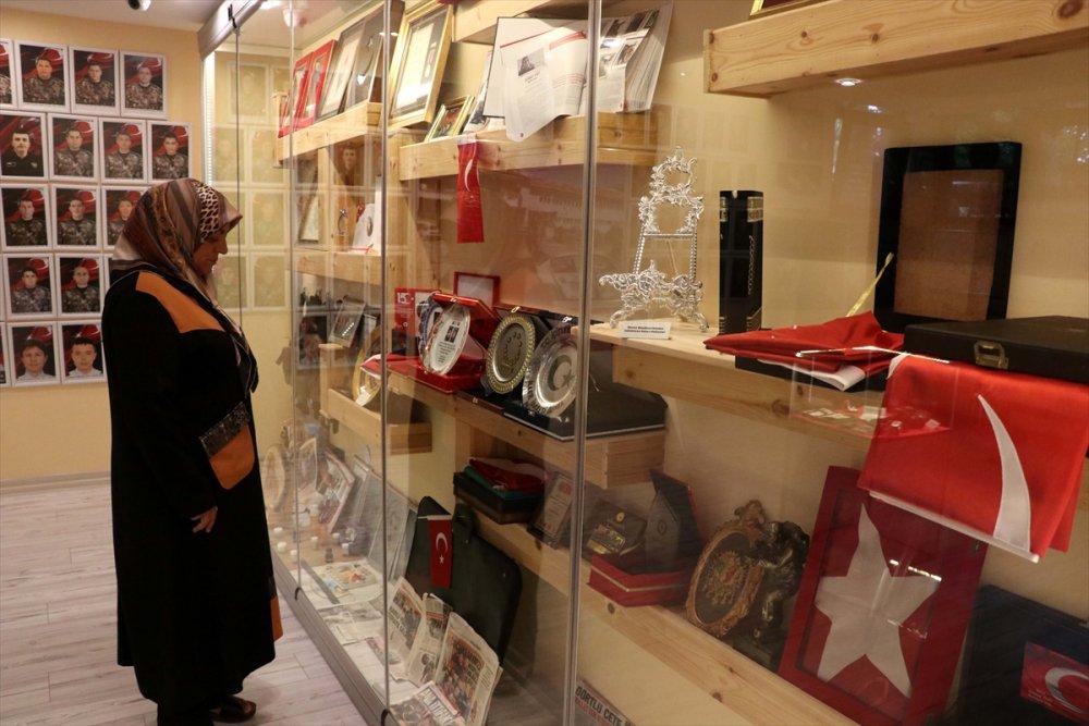 Şehit Kızlarının Anısını Evlerinin En Güzel Köşesinde Saklıyorlar