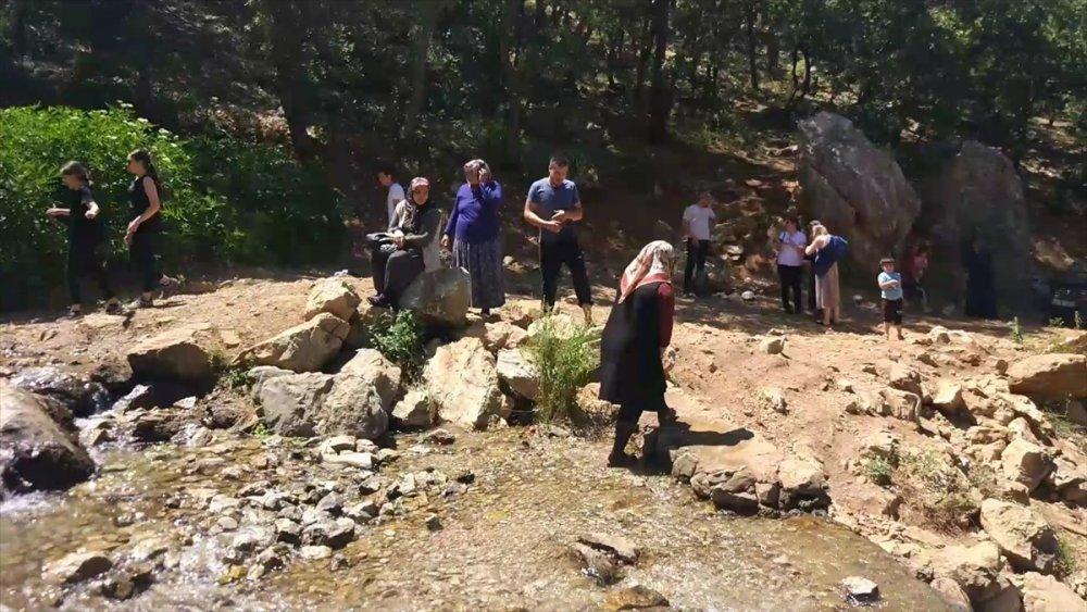 Pandemi Sonrası Aygırdibi'ne Piknikçilerden Yoğun İlgi