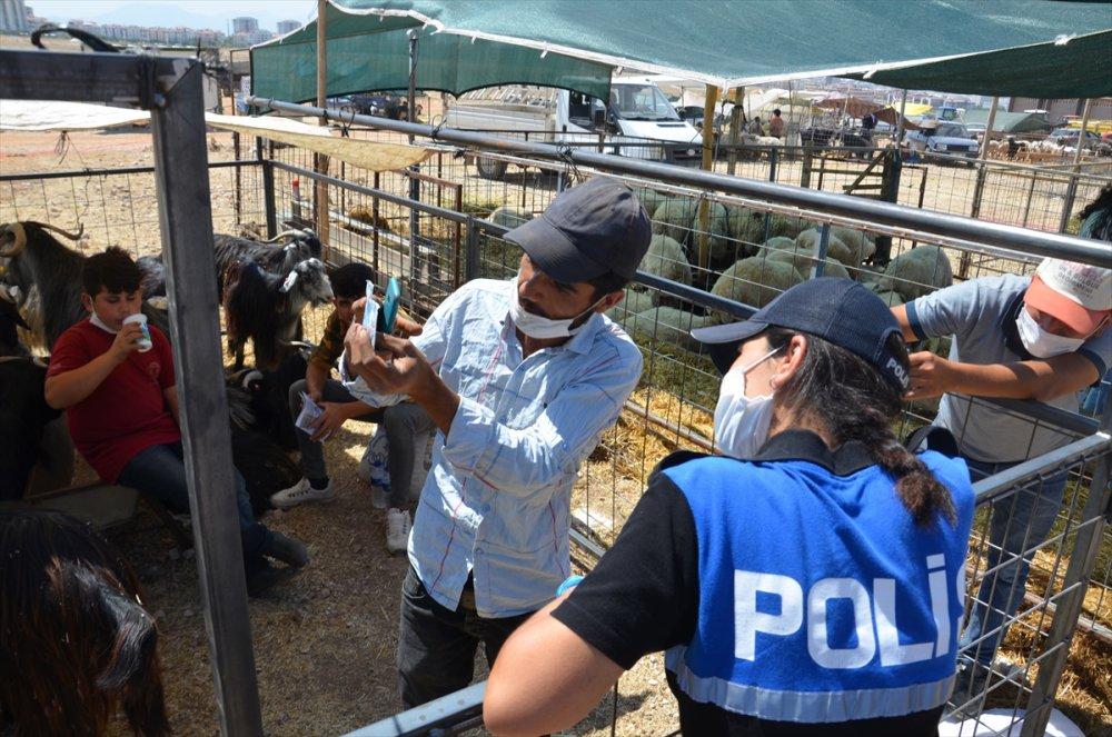 Karaman Hayvan Pazarında Besiciler Sahte Para Konusunda Bilgilendirildiler