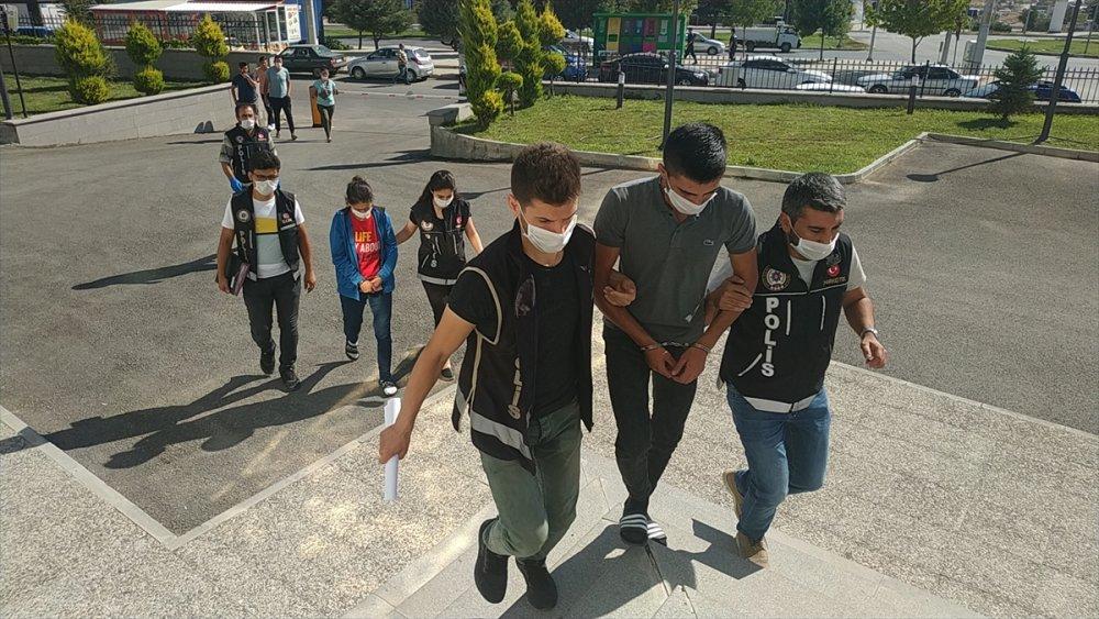 Karaman'da Zehir Tacirleri Tutuklandı