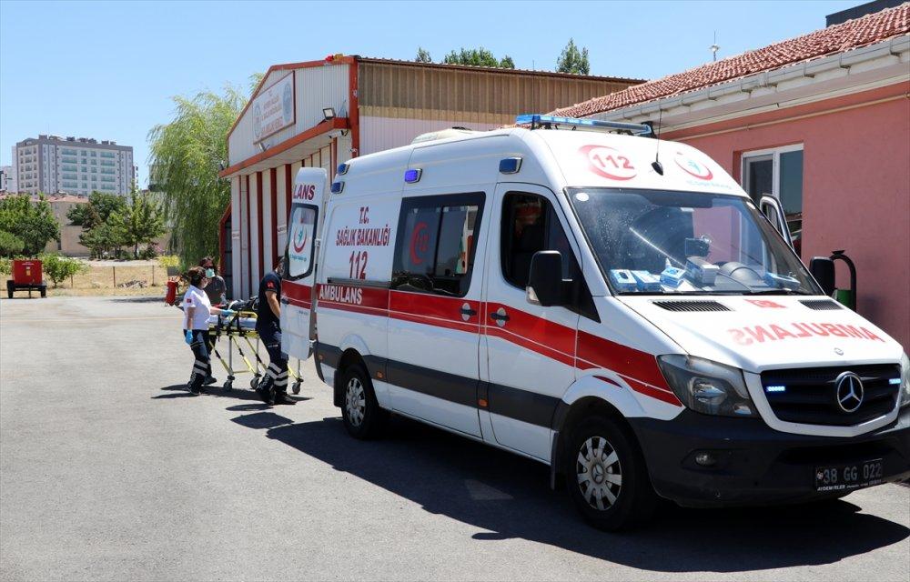 Kayseri'de Otomobil Devrildi: 1 Ölü, 3 Yaralı