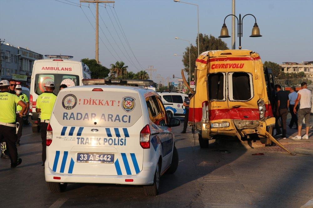 Mersin'de Zincirleme Trafik Kazası: 6 Yaralı
