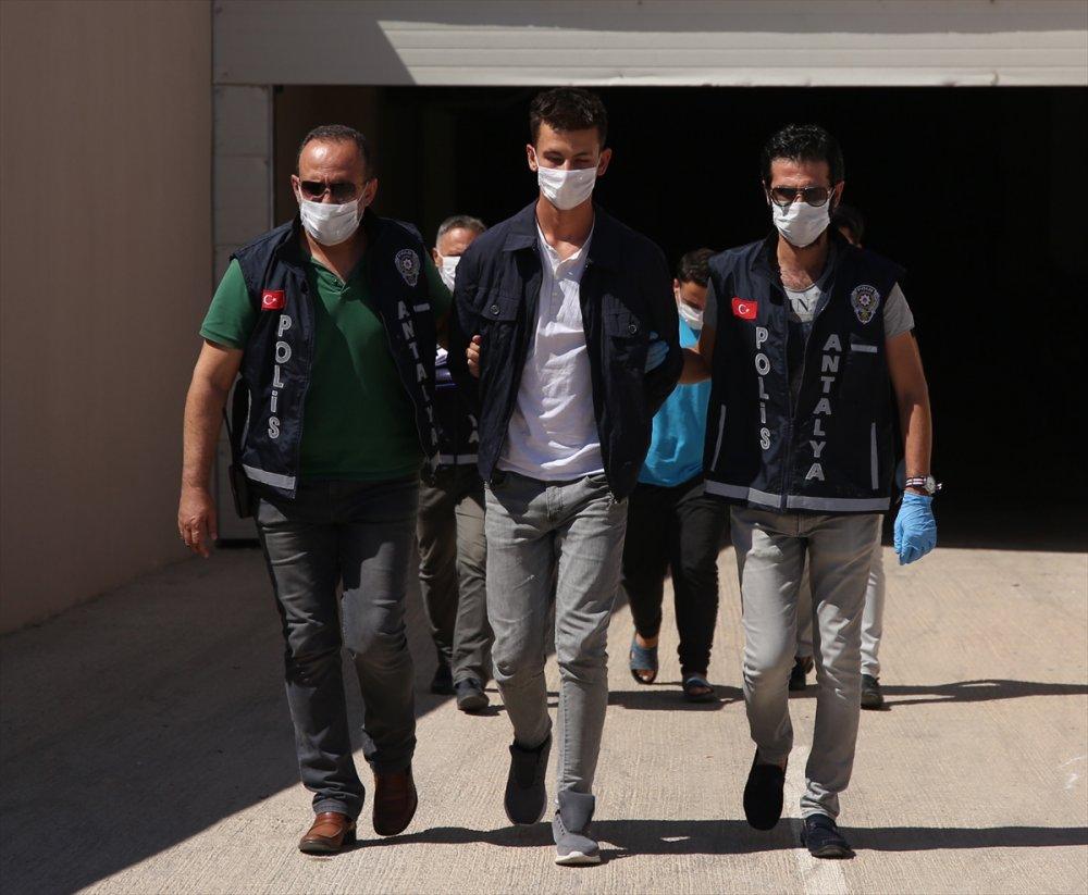 Antalya'da Cezayirli Emlakçının Öldürülmesiyle İlgili Yabancı Uyruklu İki Kiracısı Yakalandı
