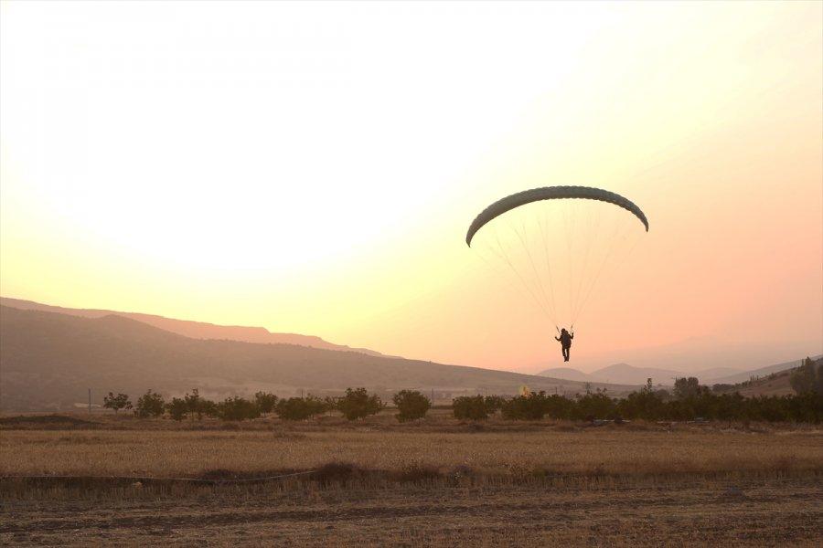İvriz Havacılık Ve Doğa Sporları Kulübü Derneği İlk Pilotlarını Mezun Etti