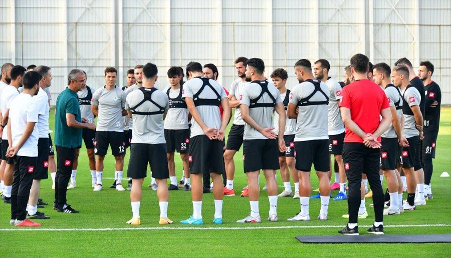 Konyaspor'un Yeni Teknik Direktörü İsmail Kartal, Takımıyla İlk Antrenmanına Çıktı