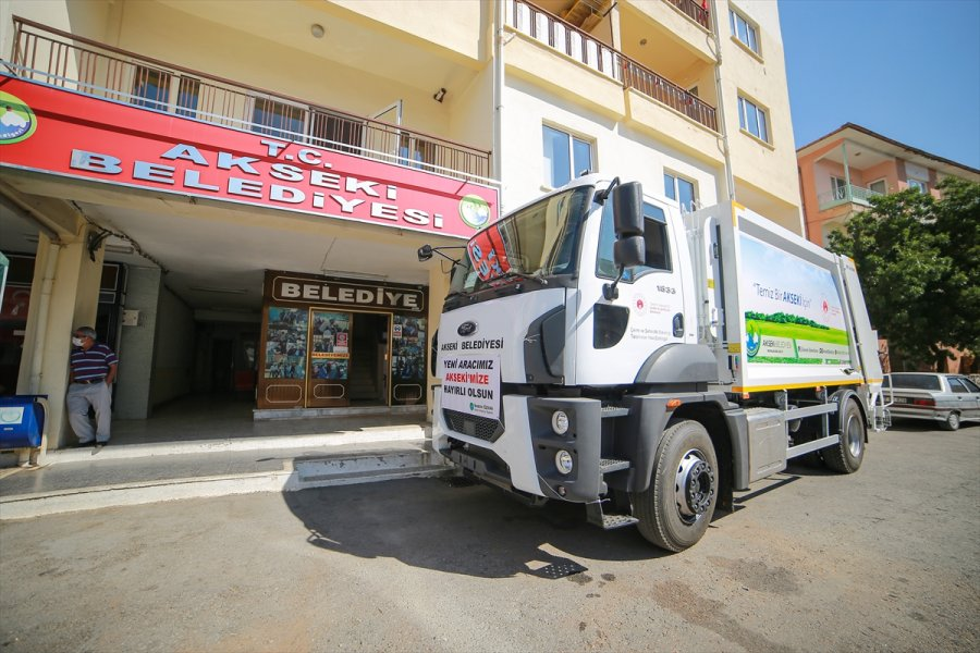 Çevre Ve Şehircilik Bakanlığı'ndan Akseki'ye Çöp Kamyonu Yardımı