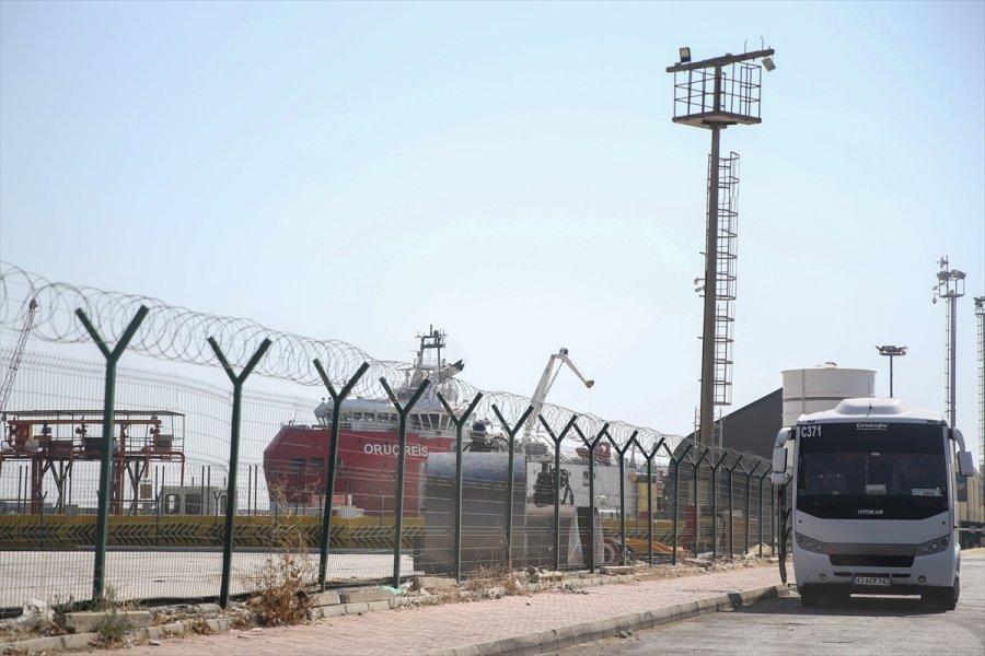 Oruç Reis'in Antalya'daki Bekleyişi Sürüyor